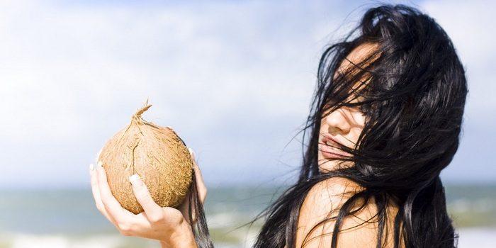 девушка с кокосами